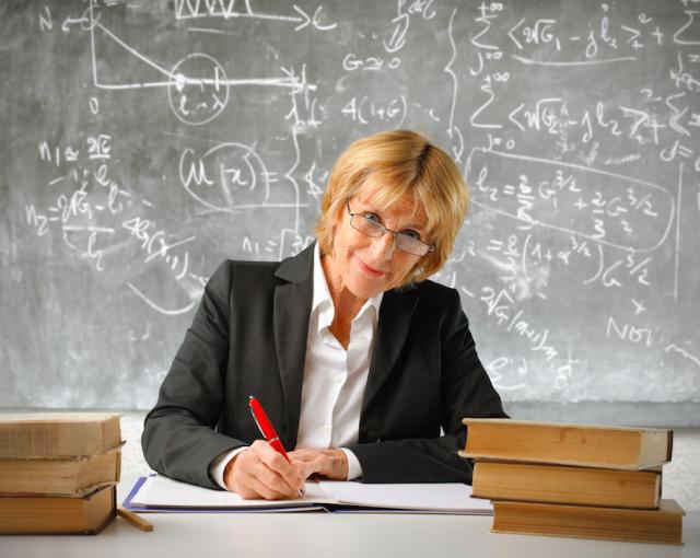 Отпуск педагогическим работникам до стечения шести месяцев